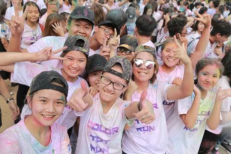 Hơn 1.000 sinh viên Tôn Đức Thắng chạy bộ gây quỹ  - ảnh 2