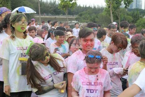 Hơn 1.000 sinh viên Tôn Đức Thắng chạy bộ gây quỹ  - ảnh 5