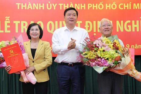 Hai nguyên lãnh đạo TP.HCM chính thức nghỉ hưu - ảnh 1