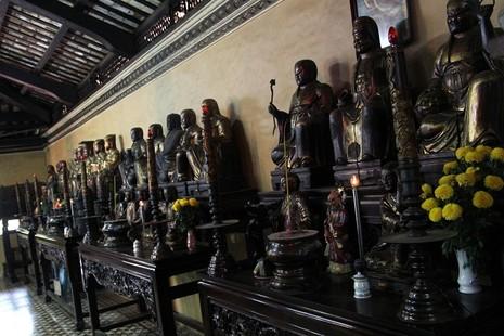Ngôi chùa gần 300 năm tuổi giữa lòng thành phố - ảnh 11