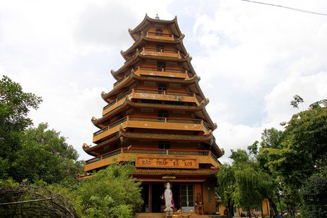 Ngôi chùa gần 300 năm tuổi giữa lòng thành phố - ảnh 2
