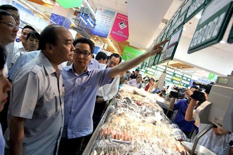 Thủ tướng bất ngờ vi hành ở TP.HCM - ảnh 6