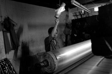 Gia đình hơn 50 năm giữ nghề dệt vải bằng khung gỗ - ảnh 12