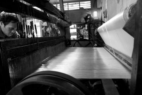 Gia đình hơn 50 năm giữ nghề dệt vải bằng khung gỗ - ảnh 7