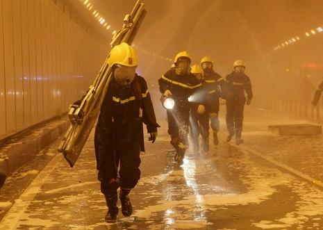 Diễn tập giải cứu 30 người bị tai nạn ở hầm Thủ Thiêm - ảnh 11
