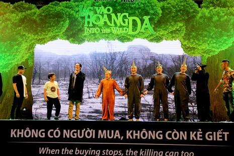 MC Phan Anh cạo đầu cam kết bảo vệ động vật hoang dã - ảnh 3