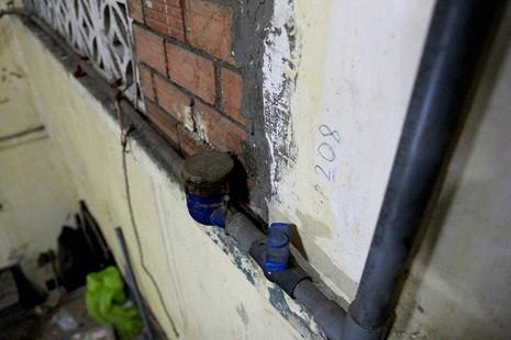 Cận cảnh chung cư ở phố Tây buộc phải di dời khẩn cấp  - ảnh 19