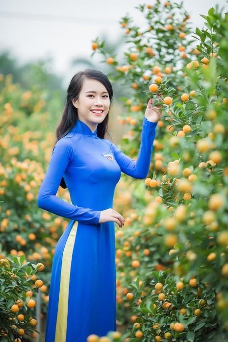 Ngắm Á khôi Nữ sinh viên VN duyên dáng bên hoa đào - ảnh 2