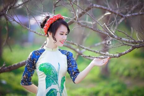 Ngắm Á khôi Nữ sinh viên VN duyên dáng bên hoa đào - ảnh 6