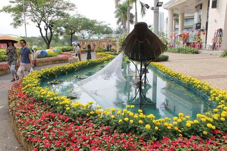 Lạ mắt vườn hoa đồng nội ở 'khu nhà giàu' - ảnh 6