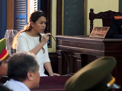 Ảnh Bà Bích tại phiên xử