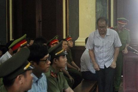 Phạm Công Danh ít khi quay nhìn các thuộc cấp tại phiên xử