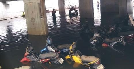 Xe ngập trong nước bị hư có được bồi thường? - ảnh 1
