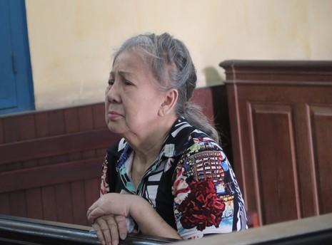 Cụ bà Việt kiều Úc thoát án tử 'giao lưu' với báo chí - ảnh 1