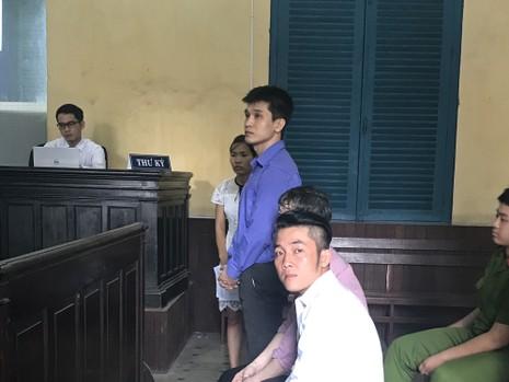 2 người Hàn Quốc phạm tội sang Việt Nam buôn lậu - ảnh 1