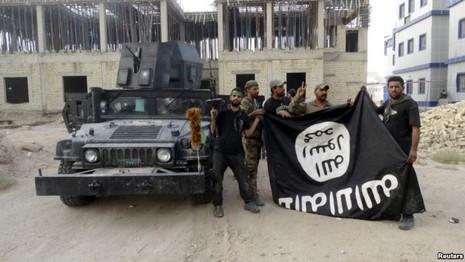 Mất thêm lãnh thổ, IS đang tiến đến 'ngày tàn' - ảnh 1