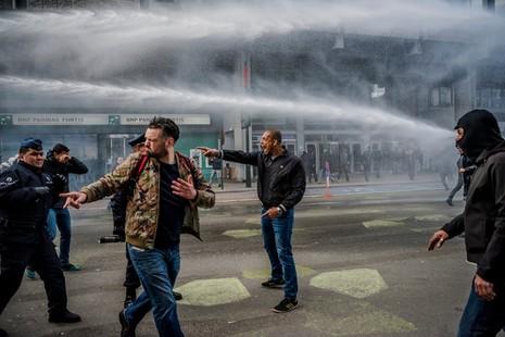 Càn quét, bắt giữ hàng loạt nghi can khủng bố tại châu Âu - ảnh 2