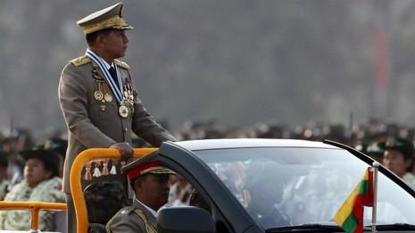Bà Suu Kyi khó vượt được kiềm tỏa của quân đội - ảnh 1