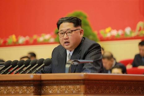 Ông Kim Jong-un mạo hiểm với kế hoạch phát triển kinh tế 5 năm - ảnh 1