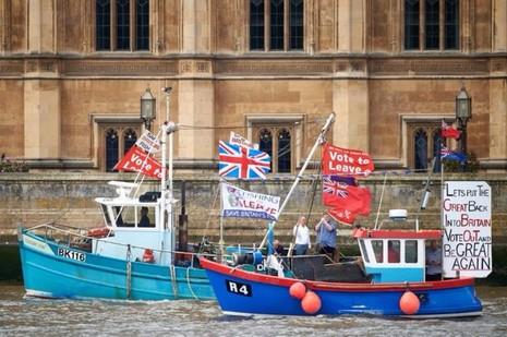 Phe ủng hộ Brexit vận động tại London