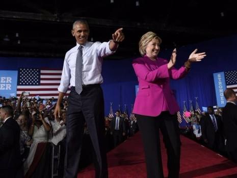 Tổng thống Obama và bà Clinton trong buổi vận động tranh cử ngày 5-7 tại TP Charlotte (bang North Carolina, Mỹ).