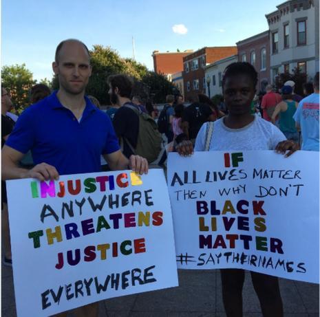 Biểu tình ở TP Baton Rouge (bang Louisiana)  ngày 10-7.