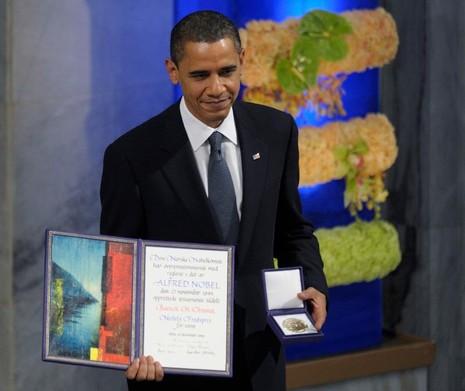 """""""Trong một số trường hợp, sử dụng vũ lực không chỉ cần thiết mà còn hợp lý về phương diện đạo đức."""" – Tổng thống Obama phát biểu nhận giải Nobel Hòa bình."""