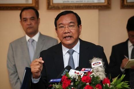 Bộ trưởng Ngoại giao Campuchia Prak Sokhonn khẳng định Campuchia không thiên vị Trung Quốc về biển Đông trong cuộc họp báo tại Phnom Penh ngày 29-7.