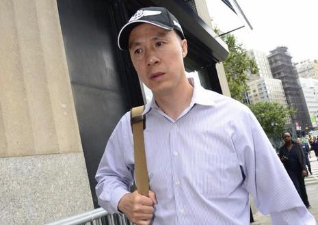 Ông Kun Shan Chun sau khi rời tòa án liên bang Manhattan (New York, Mỹ) ngày 1-8.