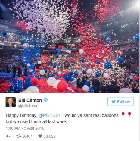 Bill Clinton mừng sinh nhật Obama