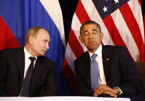 Tổng thống Obama (phải) và Tổng thống Nga Vladimr Putin tại hội nghị G20 ở Mexico ngày 18-6-2012.