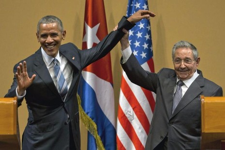 Tổng thống Obama (trái) và Chủ tịch Cuba Raul Castro tại cuộc họp báo chung trong chuyến thăm Cuba, ngày 21-3-2016.