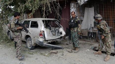 Một chiếc xe bị không kích phá hủy tại tỉnh Nangarhar (Afghanistan) ngày 26-7.