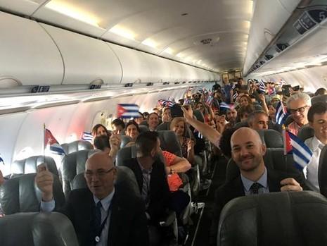 Hành khách trên chuyến bay lịch sử.