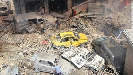 Quang cảnh tan hoang sau vụ không kích ở TP Idlib (tỉnh Idlib) ngày 10-9.