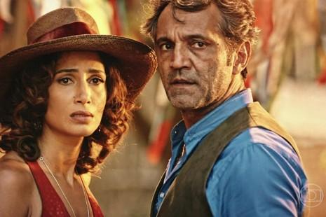 Nam diễn viên Domingos Montagne và nữ diễn viên Camila Pitanga trong một cảnh phim.