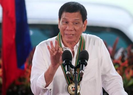Tổng thống Philippines Duterte tại cuộc gặp các binh sĩ ở Manila (Philippines) ngày 4-10.