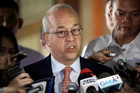 Trợ lý Ngoại trưởng Mỹ phụ trách khu vực Đông Á và Thái Bình Dương Daniel Russel trong cuộc họp báo tại Manila (Philippines) ngày 24-10.