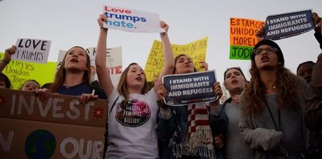 Biểu tình phản đối Trump tại thủ đô Washington ngày 10-11.