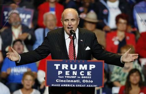 Ông Rudy Giuliani trong một đợt vận động tranh cử của ông Trump.