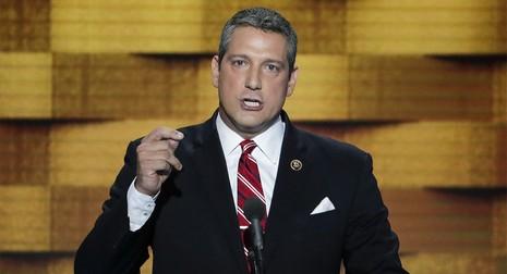 Hạ nghị sĩ trẻ Tim Ryan đang là thách thức với bà Nancy Pelosi.
