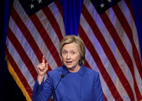 Bà Clinton kêu gọi người dân vượt qua sự chia rẽ của đất nước.