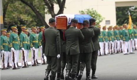 Di hài ông Marcos được đưa đi mai táng ở nghĩa trang anh hùng dân tộc ngày 18-11.