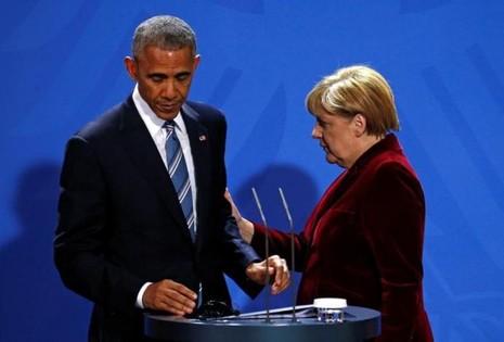 Tổng thống Obama và Thủ tướng Merkel lưu luyến trong cuộc họp báo chung cuối cùng trên cương vị lãnh đạo Mỹ và Đức.