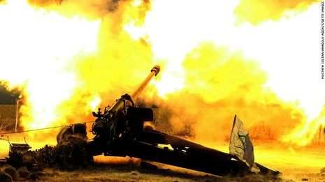 Phe nổi dậy ở Aleppo  bắn pháo về phía quân chính phủ Syria.
