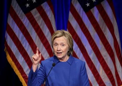 Bà Hillary Clinton phát biểu tại hội nghị của Quỹ Bảo vệ trẻ em ở Washington (Mỹ) ngày 16-11, 8 ngày sau thất bại bầu cử tổng thống. Ảnh: REUTERS