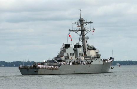 Tàu USS Mahan rời căn cứ hải quân ở Norfolk (Vigirnia). Ảnh: AFP