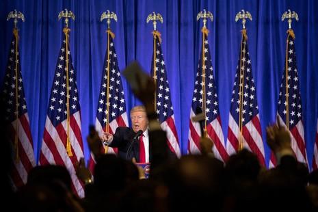 Tổng thống đắc cử Donald Trump họp báo tại cao ốc Trump Tower ở Manhattan (New York, Mỹ) ngày 11-1. Ảnh: NEW YORK TIMES