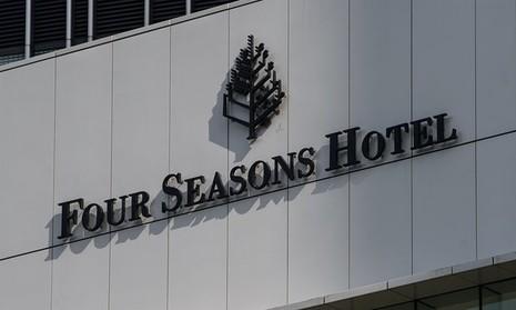 Khách sạn Four Seasons – nơi được cho tỷ phú Tiêu đã bị bắt đi. Ảnh: EPA