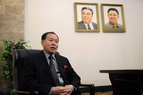 Thứ trưởng Ngoại giao Triều Tiên Han Song-Ryol cảnh cáo nước này sẽ tiếp tục thử tên lửa như thường lệ. Ảnh: ABC